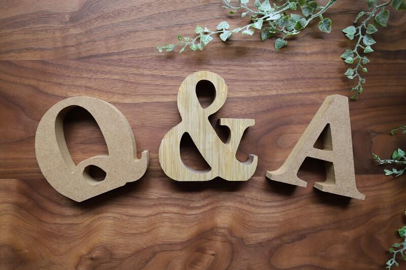 Q&Aの木片